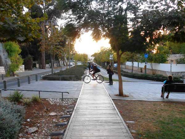 סיור בפארק המסילה בירושלים