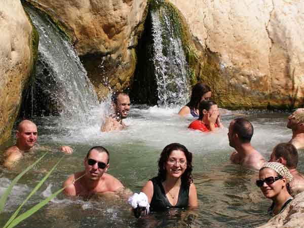 טיול נחלים יומיים בירדן