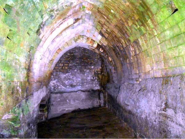 סיור חללים תת קרקעיים בירושלים